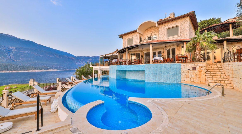 Deniz Feneri pool and restaurant