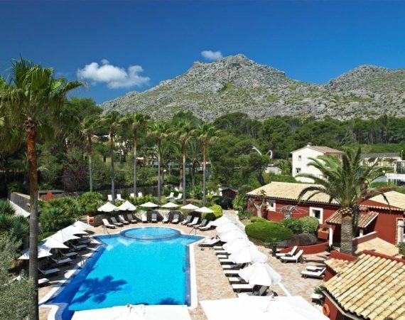 Hotel Cala sant Vicenc pool and terrace