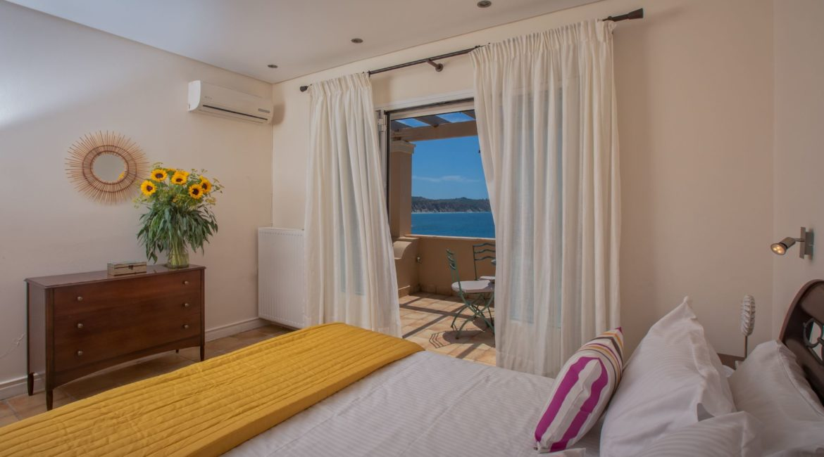 guest-room-bed-view-high