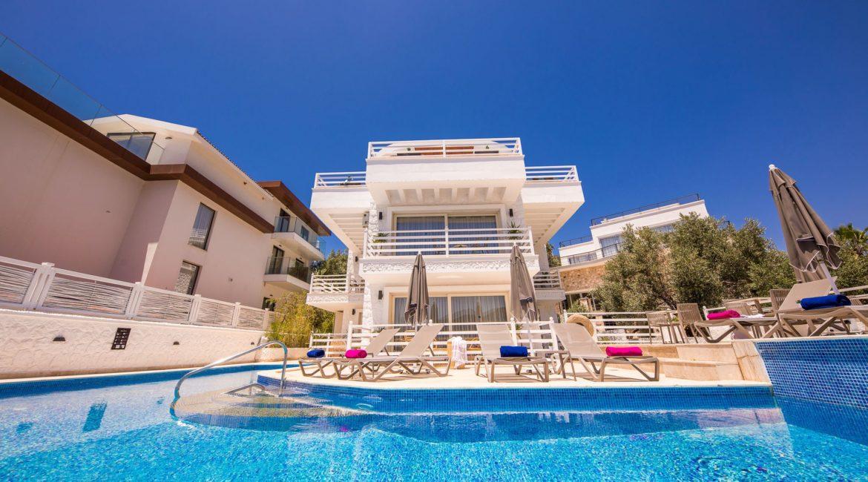 Saray Suites main pool