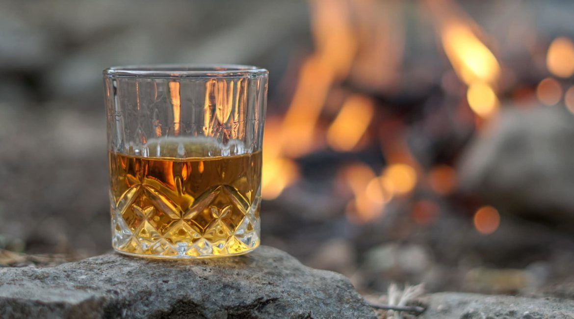 Scotland-Holiday-Whisky-by-the-fire
