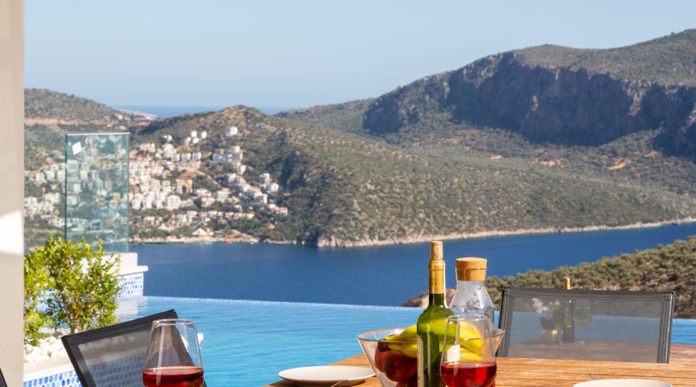 Villa Marvel sea views