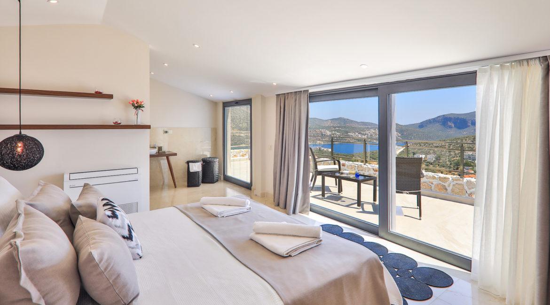 Villa Shine top floor double bedroom