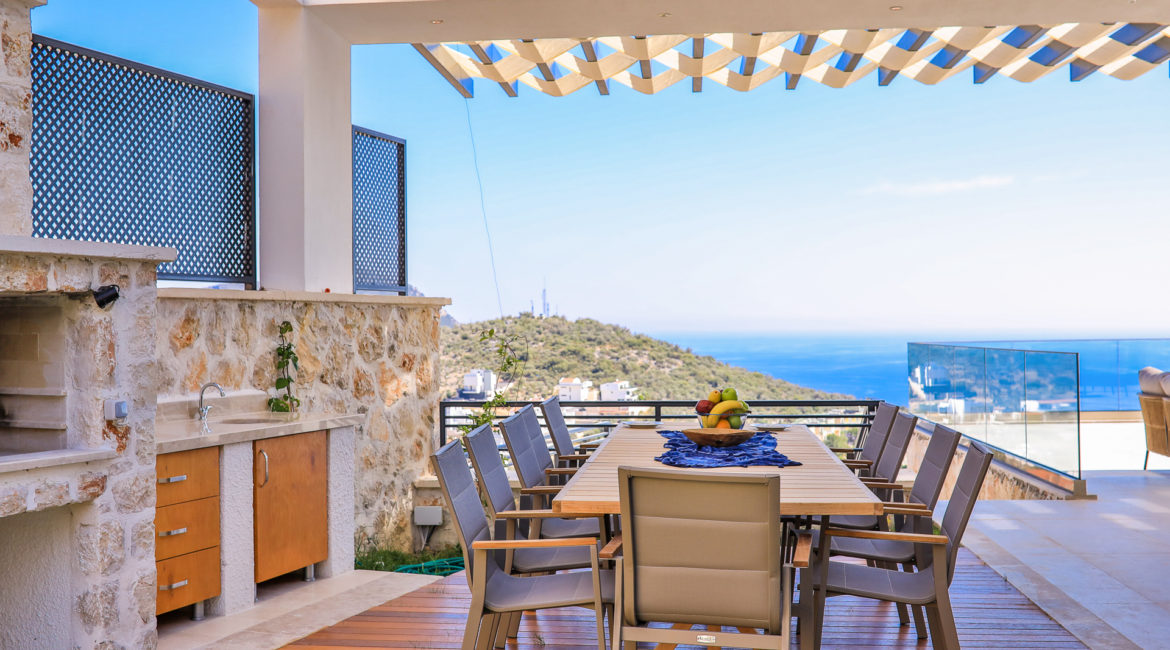Villa Shine outside dining with sea views