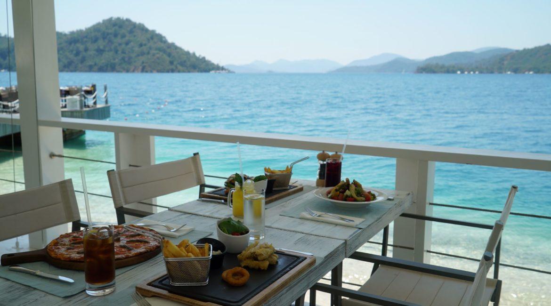 D-Resort Lunch at Breeze Restaurant