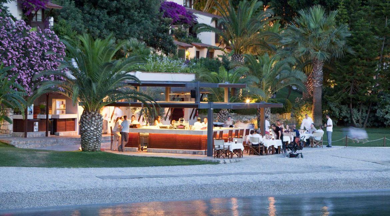 Hillside Beach Club beach bar