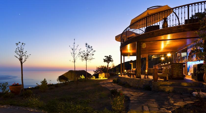 Lissiya bar and terrace