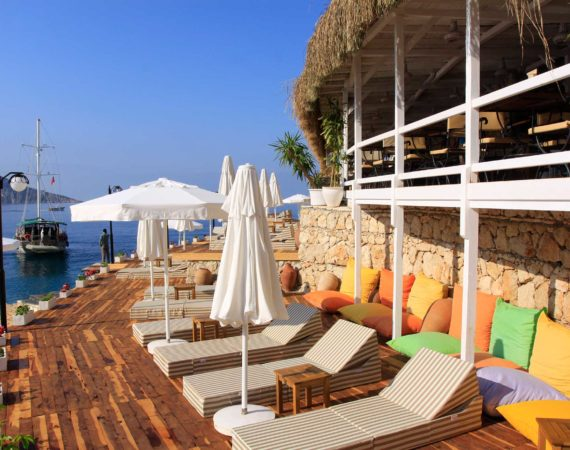 Complimentary sunbeds for all Discerning Collection guests at Yali Beach Club