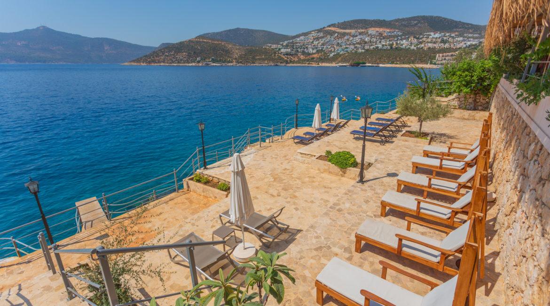 Mavi Koy beach platforms