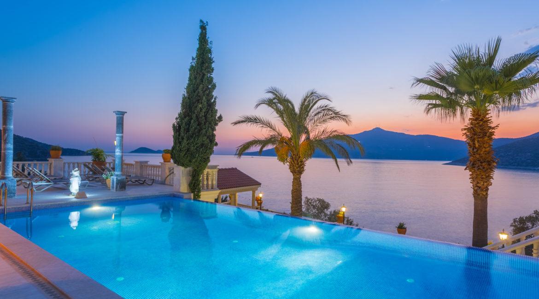 Mavi Koy pool at sunset