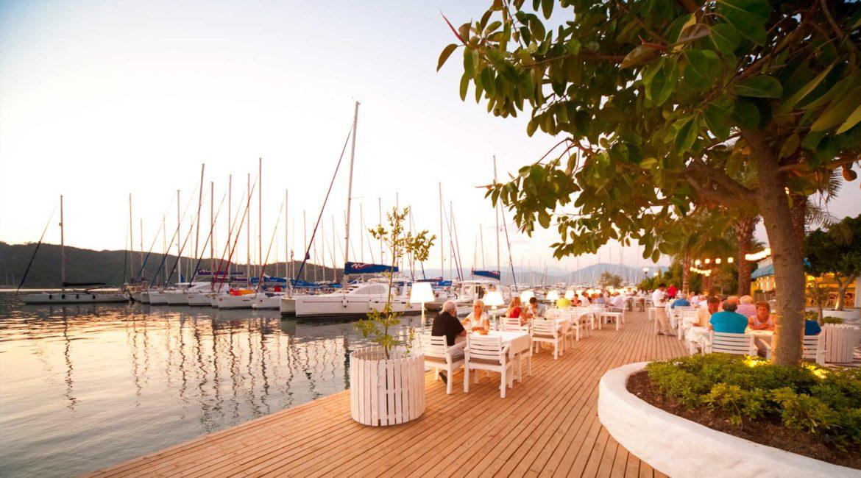 Yacht Classic restaurant decking