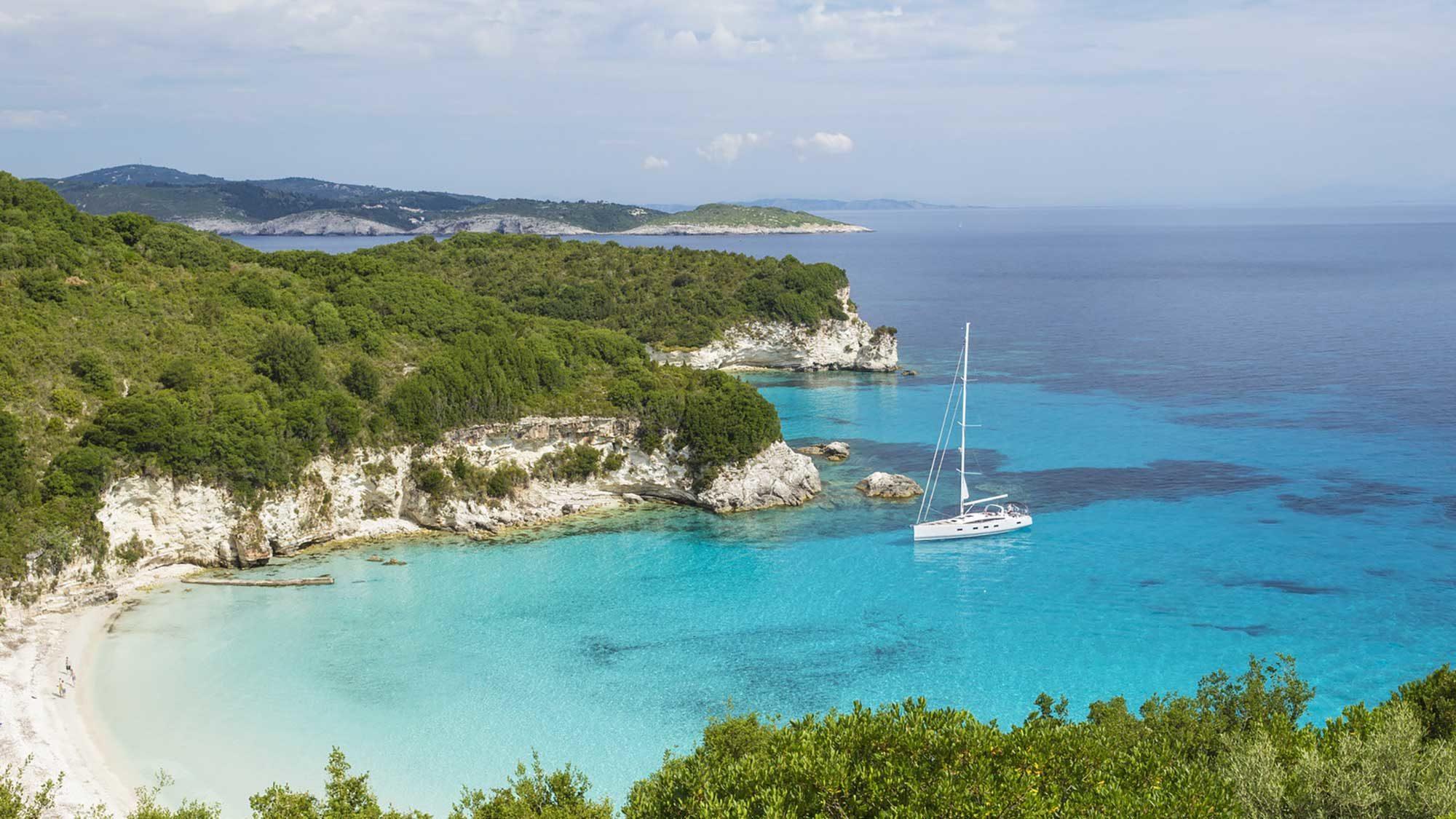 Argentous 3 sailing around Corfu