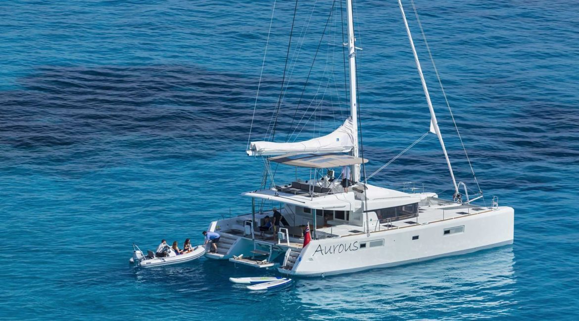Aurous with its speedboat