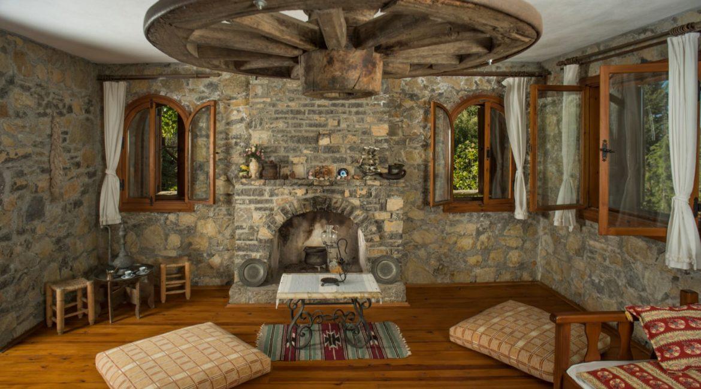 Chalet Vista living room