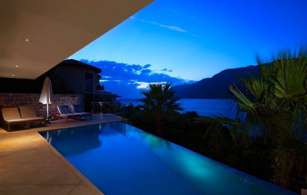 Deniz Feneri pool house pool and views