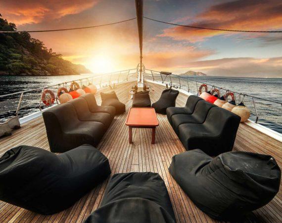 The huge deck of the Seyhan Hanna
