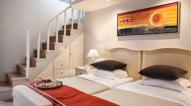 Villa Agapi Braunis Horio twin bedroom on the lower ground floor