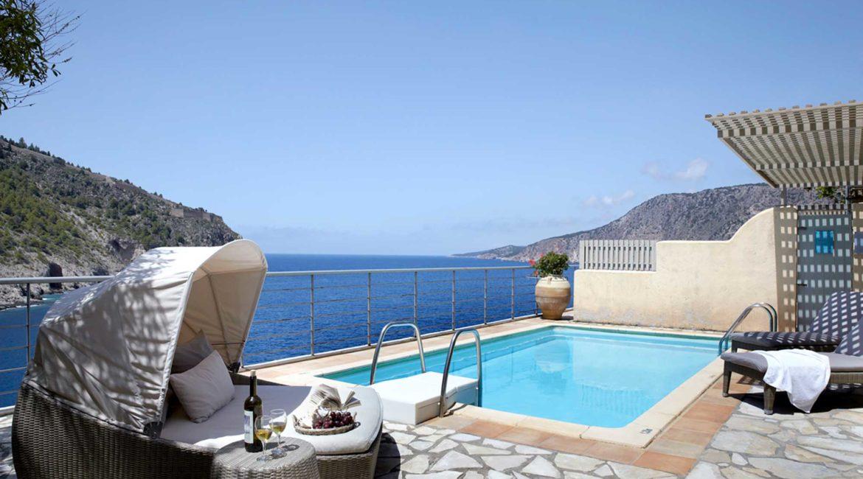 Villa Akrogialli Braunis Horio Villas pool, sun-terrace and sea view