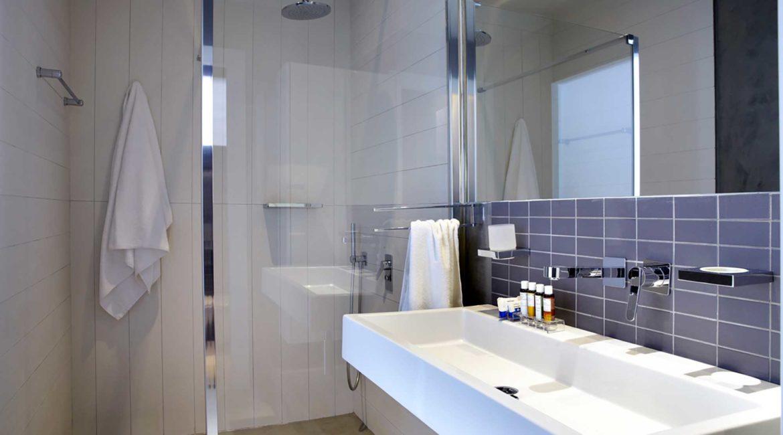 Villa Art Braunis Horio shower room