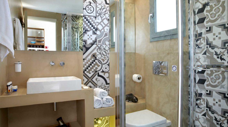 Villa Elea Braunis Horio shower room