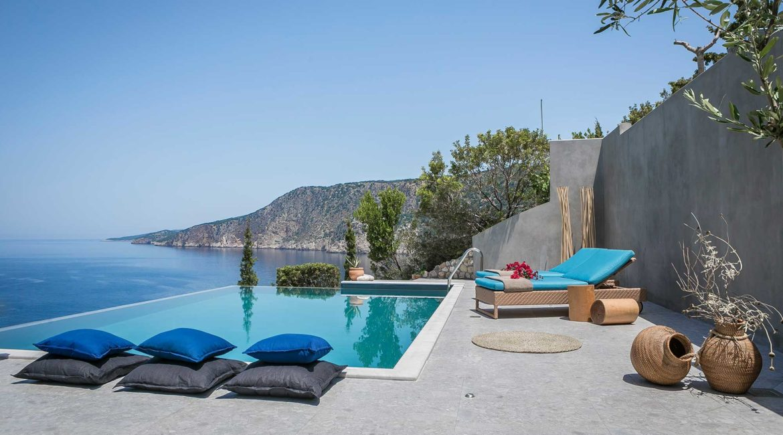 Villa Eleni Braunis Horio  luxury sun beds, pool and beautiful sea views