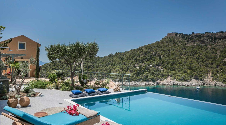Villa Eleni Braunis Horio  sun terrace and pool