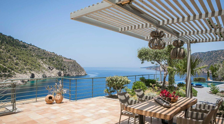 Villa Eleni Braunis Horio sun terrace, infinity pool and sea views
