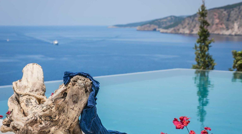 Villa Eleni Braunis Horio infinity pool and sea views