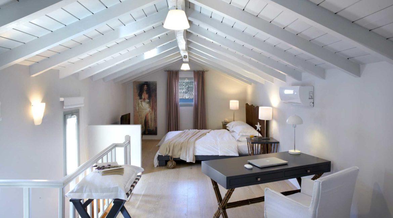 Villa Eleni Braunis Horio double bedroom