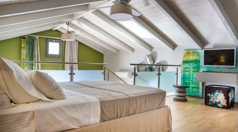 Villa Eutuxia Braunos Horio double bedroom