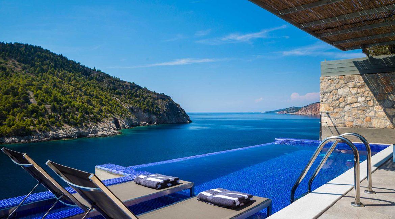 Villa Eutuxia Braunos Horio infinity pool with sea views