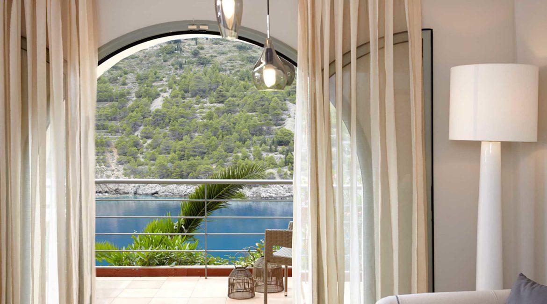 Villa Palatsina Braunis Horio living room and superb sea views