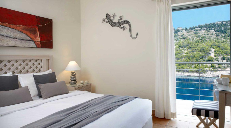 Villa Palatsina Braunis Horio double bedroom with sea views