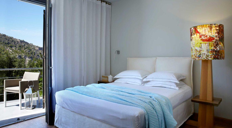 Villa Eco Braunis Horio double bedroom and balcony