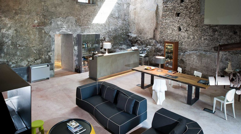 Breakfast room/lounge at the Monaci della Terre Nere