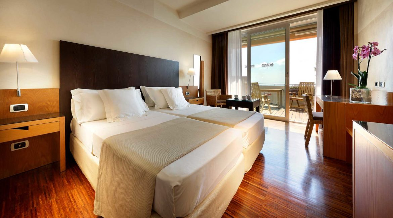 Monte Tauro Hotel twin room
