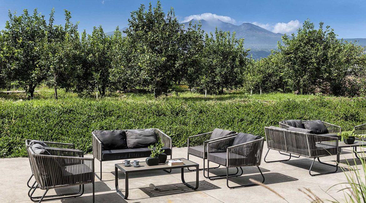 Ramo D'Aria terrace and dramatic view of Mount Etna