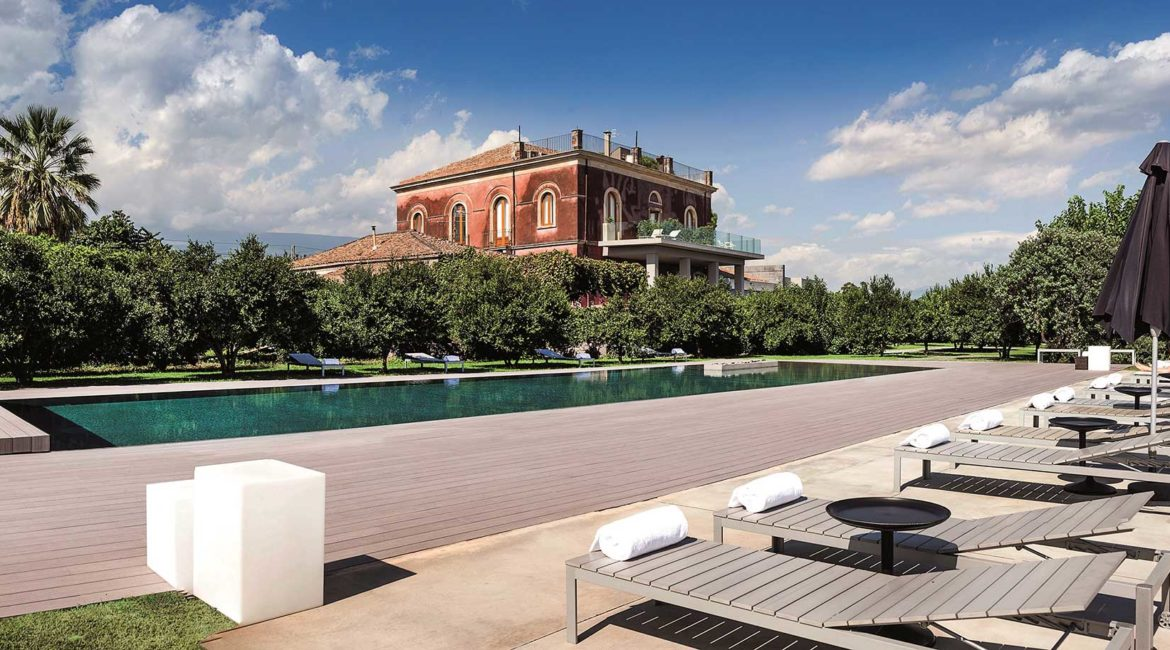 The stunning Zash hotel and pool