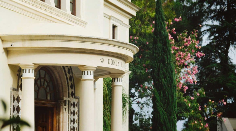 Ashbee hotel elegant entrance