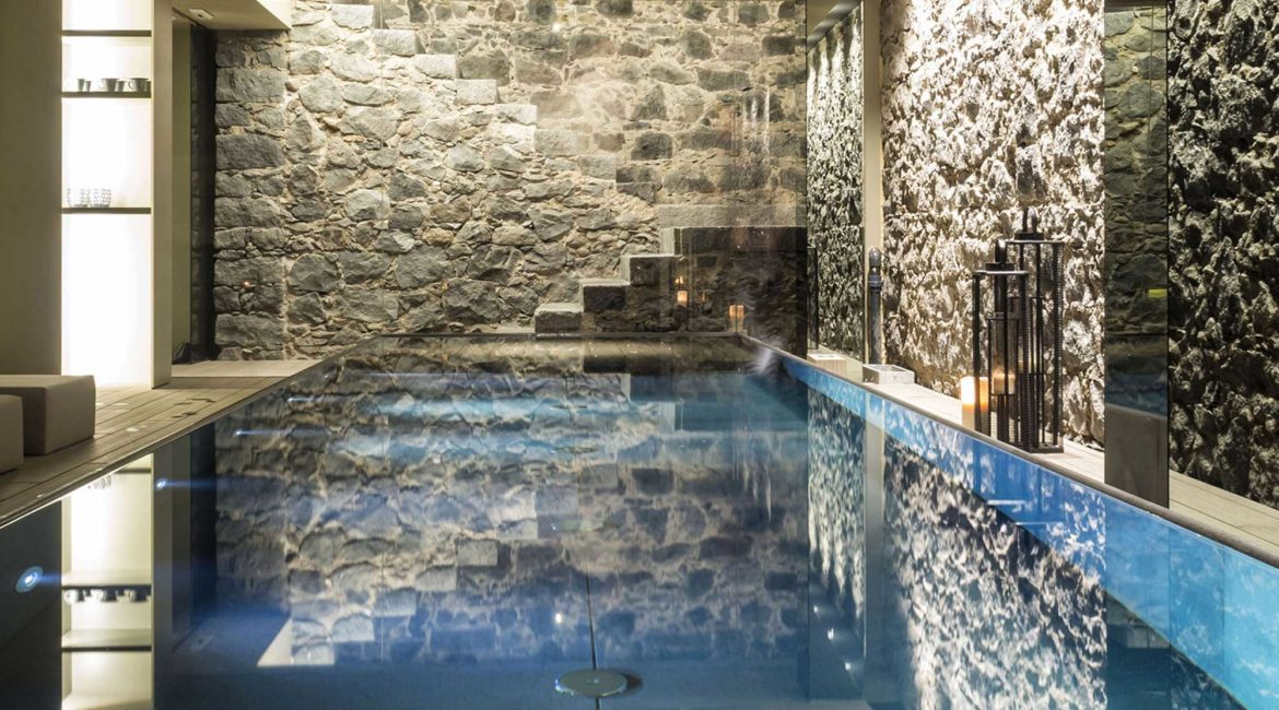 The indoor lava pool at Zash