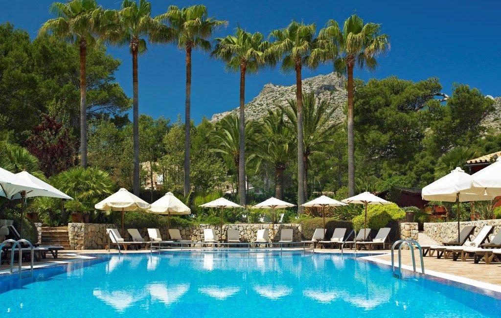Swimming pool at Cala Sant Vicenc Hotel