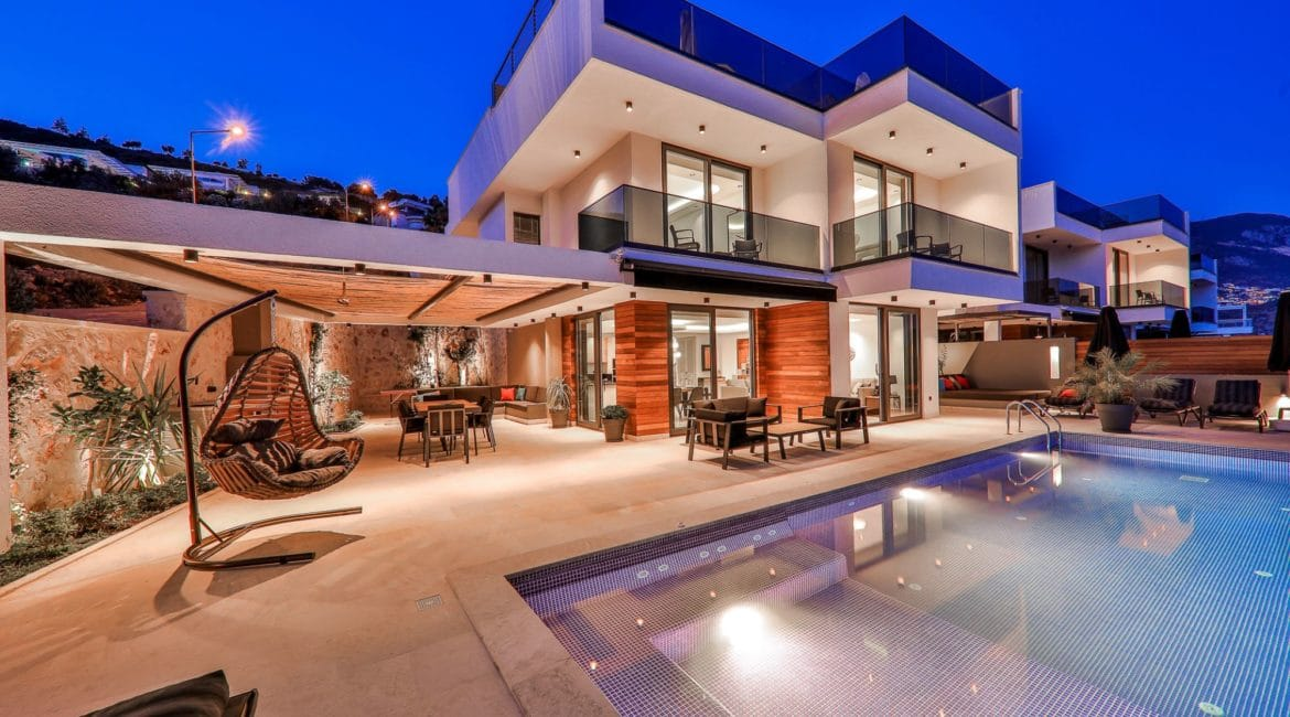 Villa Eos front and pool