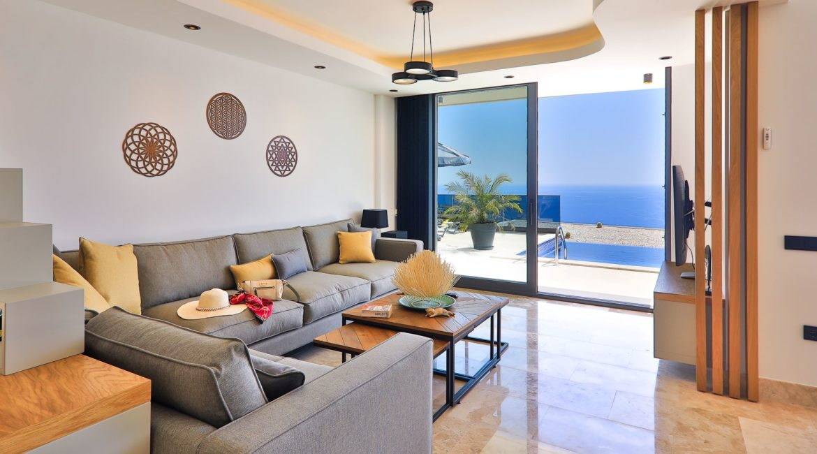 Villa Eos lounge with pool and sea views