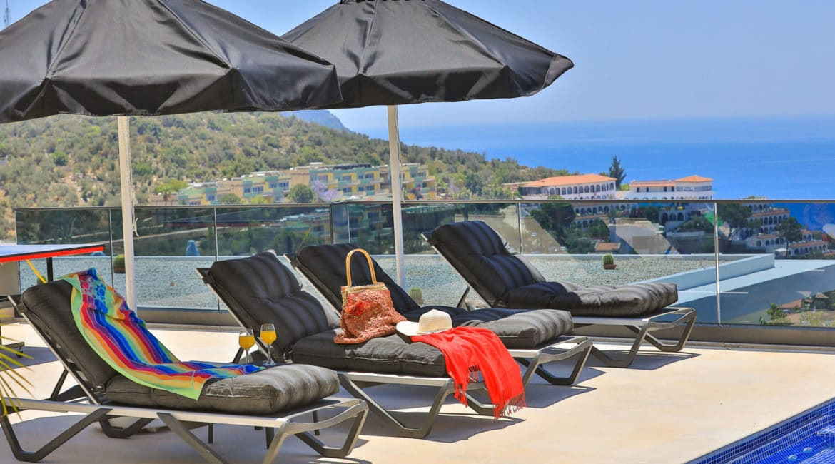 Villa Nymphe high quality sunbeds and parasols